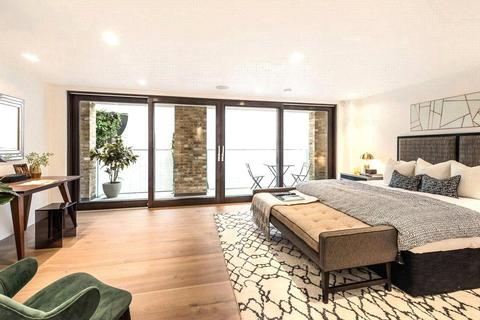 3 bedroom terraced house to rent - Victoria Mews, Notting Hill, London