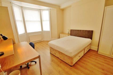 3 bedroom flat to rent - Helmsley Road, Newcastle upon Tyne, Tyne and Wear, NE2