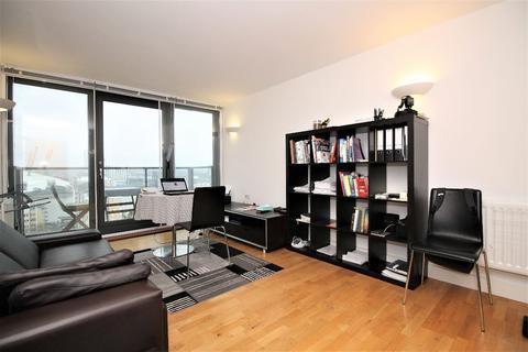 1 bedroom flat for sale - Elektron Tower, Blackwall Way, Canary Wharf E14