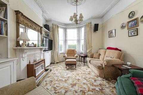 4 bedroom terraced house for sale - Leathwaite Road, London