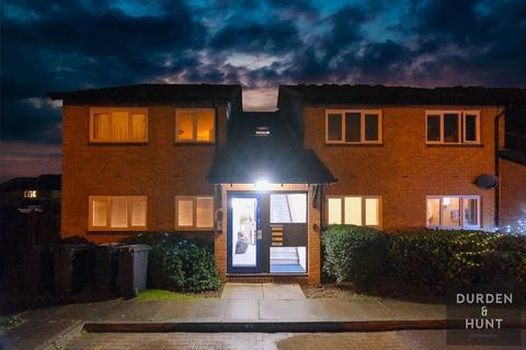 1 bedroom apartment to rent - Colebrook Lane, Loughton