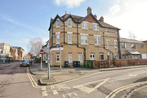 2 bedroom apartment to rent - Top Flat, 39a South Parade