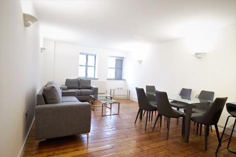 3 bedroom flat to rent - Somerford Grove, London