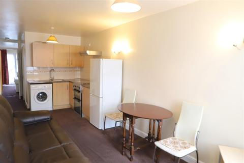1 bedroom flat to rent - Ditton Road, Southall, Middlesex