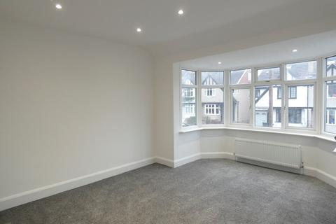 4 bedroom terraced house to rent - Brookbank Avenue, Hanwell, LONDON, W7