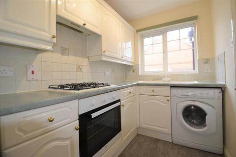 2 bedroom house for sale - Rivets Close, Aylesbury