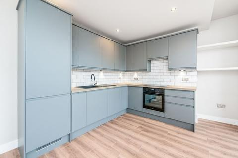 3 bedroom apartment for sale - Hornsey Park Road, London, N8