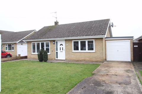 2 bedroom detached bungalow for sale - Glen Drive, Boston