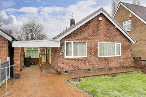 2 bedroom detached bungalow for sale - Whitby Crescent, Woodthorpe, Nottinghamshire, NG5 4NA