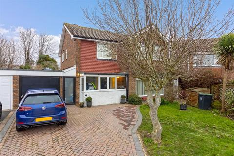 4 bedroom detached house for sale - Cumberland Avenue, Worthing