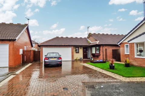 3 bedroom bungalow for sale - Lydbury Close, Cramlington, Northumberland, NE23 3XY