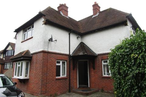 3 bedroom detached house to rent - Langley Hill, Calcot, Reading, RG31 4QU