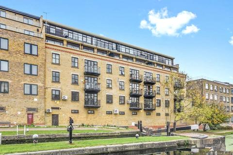 3 bedroom apartment to rent - Copperfield Road, London, E3