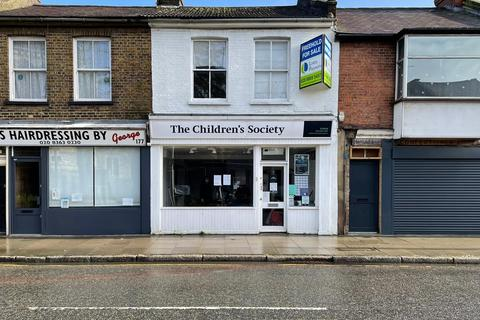 Mixed use for sale - Chase Side, Enfield, London EN2