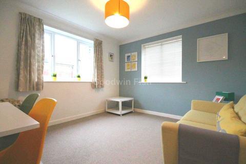 2 bedroom apartment to rent - Bridgewater Street, Salford