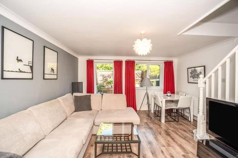 3 bedroom house to rent - Farrow Lane, London, SE14