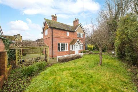 3 bedroom detached house for sale - Dinton, Aylesbury, Buckinghamshire, HP17