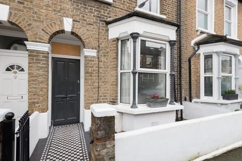 3 bedroom terraced house for sale - Southwell Grove Road, Leytonstone, London, E11