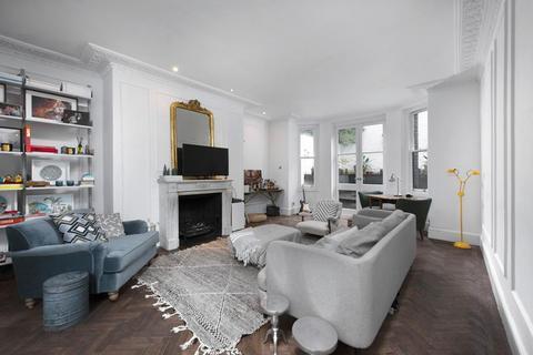 2 bedroom flat for sale - ROLAND GARDENS, SOUTH KEN, SW7
