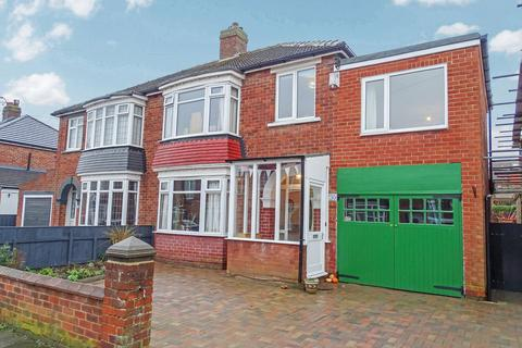 4 bedroom semi-detached house for sale - Kingsley Road, Stockton, Stockton-on-Tees, Durham, TS18 5AQ