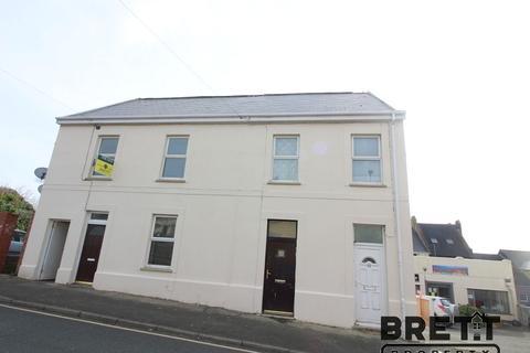 2 bedroom flat to rent - 52 Robert Street, Milford Haven, Pembrokeshire. SA73 2DJ