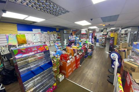 Shop to rent - High Street, Dudley, DY1 1PY