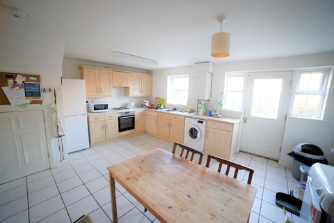 5 bedroom terraced house to rent - Casson Drive, Stapleton, Bristol, Gloucestershire