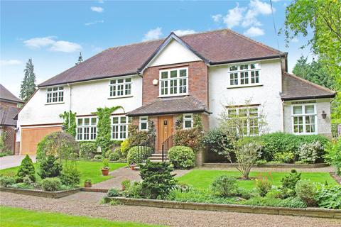 5 bedroom detached house to rent - South Approach, Northwood, Middlesex, HA6