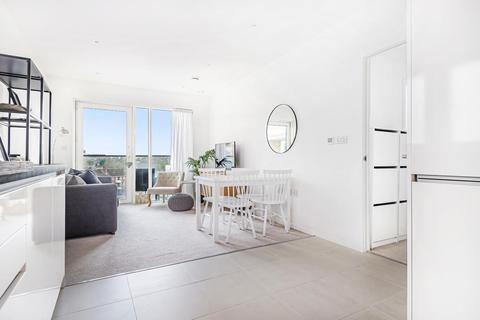 2 bedroom flat for sale - Juniper Drive, Battersea