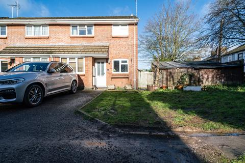 3 bedroom semi-detached house for sale - Meadowbrook, Tring