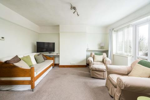 Studio for sale - Monclar Road, London