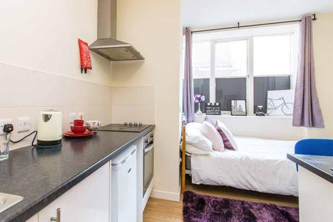 1 bedroom in a flat share to rent - 33-34 Castle Gate, Nottingham, England NG1 7AT