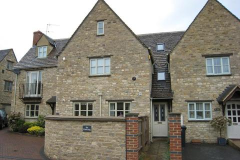 3 bedroom terraced house to rent - Farriers Court, Witney, Oxon, OX28 4DB