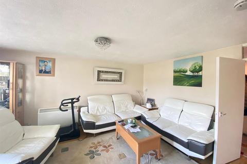 2 bedroom flat to rent - Cedar Road, Enfield