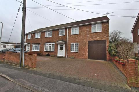 5 bedroom semi-detached house for sale - Hilltop Road, Minster On Sea, Sheerness