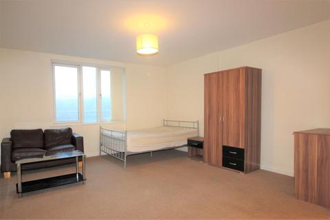 Studio to rent - Cross Bedford Street, Sheffield