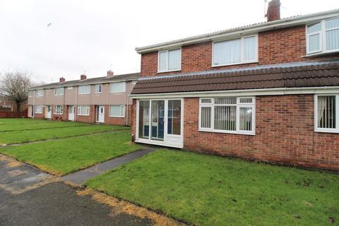 3 bedroom terraced house for sale - Ryal Close, Blyth