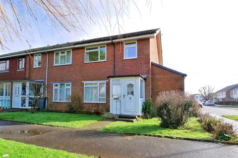 3 bedroom end of terrace house for sale - Downview Close, Yapton