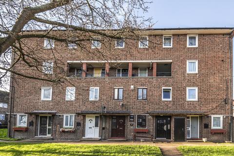2 bedroom maisonette for sale - Charles Grinling Walk London SE18