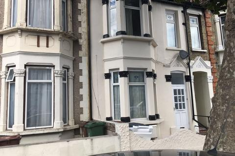 2 bedroom flat to rent - Leytonstone, London, E11