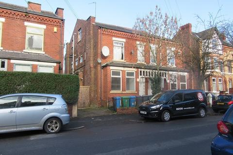Studio to rent - 82 Clarendon Road, Whalley Range, Manchester. M16 8LA