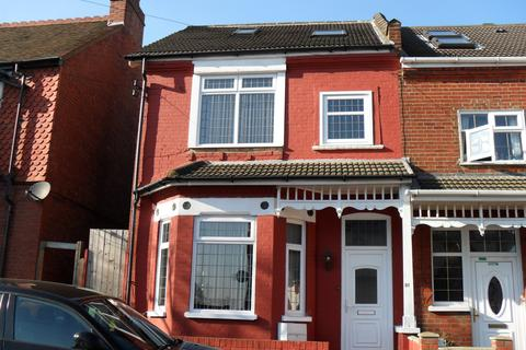6 bedroom terraced house to rent - Conway Road, Luton, Bedfordshire, LU4