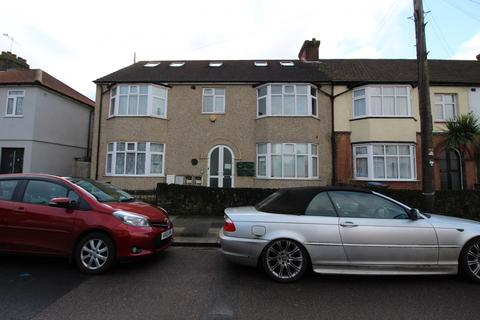 2 bedroom flat to rent - Beaconsfield Road, Enfield, Greater London, EN3