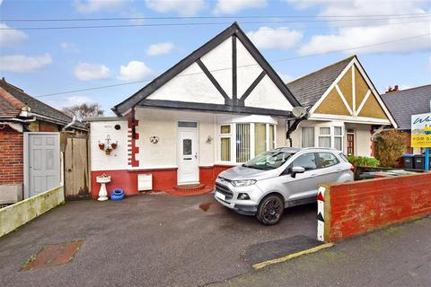 2 bedroom semi-detached bungalow for sale - Beacon Road, Broadstairs, Kent
