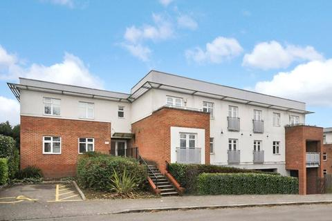 2 bedroom apartment to rent - Riverlock Court, Spring Gardens Road, High Wycombe, Buckinghamshire, HP13