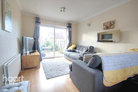 3 bedroom semi-detached house for sale - Shanklin Close, Luton