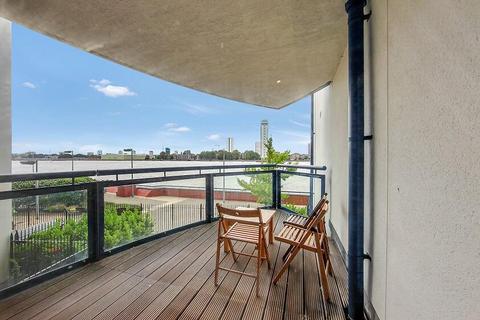 3 bedroom flat to rent - Nova Building, Docklands / Greenwich, London, E14 3TT