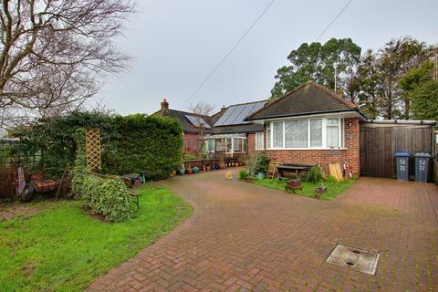 3 bedroom bungalow for sale - Beechwood Avenue, Worthing, West Sussex, BN13