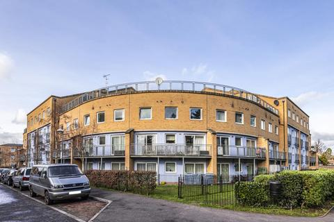 2 bedroom flat for sale - Feltham,  Middlesex,  TW14