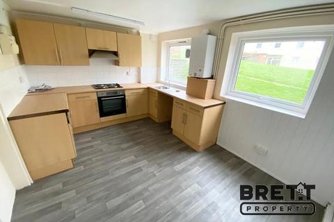 2 bedroom ground floor flat to rent - 47 Goshawk Road, Haverfordwest, Pembrokeshire SA61 2TY